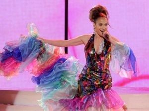 Jennifer-Lopez-Latin-outfit-dress
