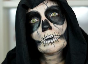 Skull-Face-Halloween-Makeup
