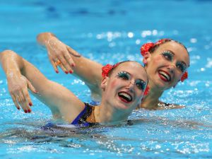 Synchronized-Swimming-04