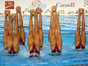 Synchronized-Swimming-12