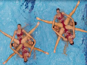 Synchronized-Swimming-14
