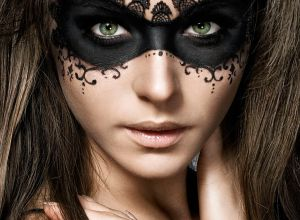 female-black-blindfold-makeup