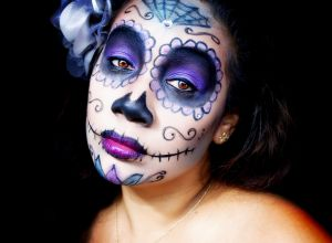 female-halloween-face-art