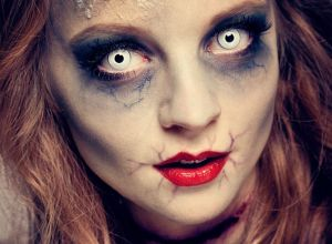 female-halloween-zombie-makeup