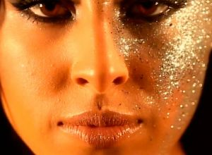 female-sparkles-golden-make-up
